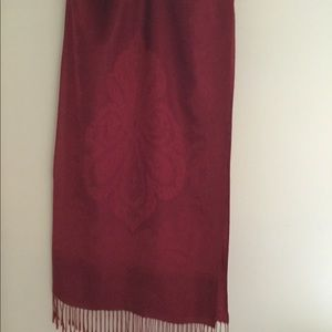 Dark red scarf with fringe